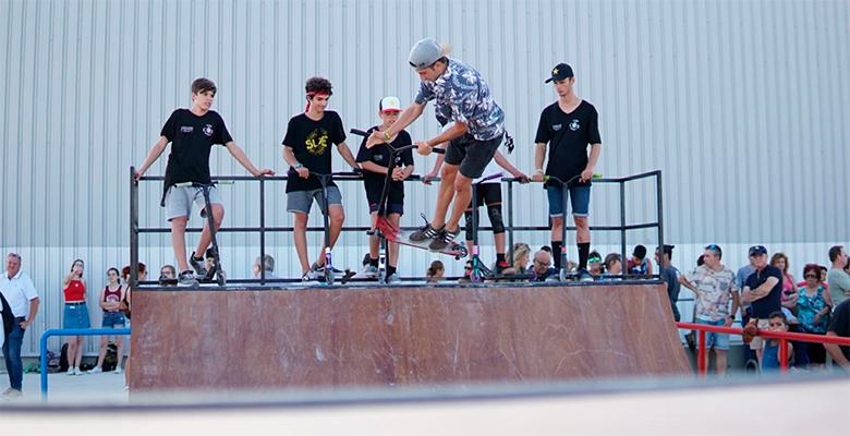 Decenas de jóvenes inauguran el Skate Park de El Altet - Elche Aumentada